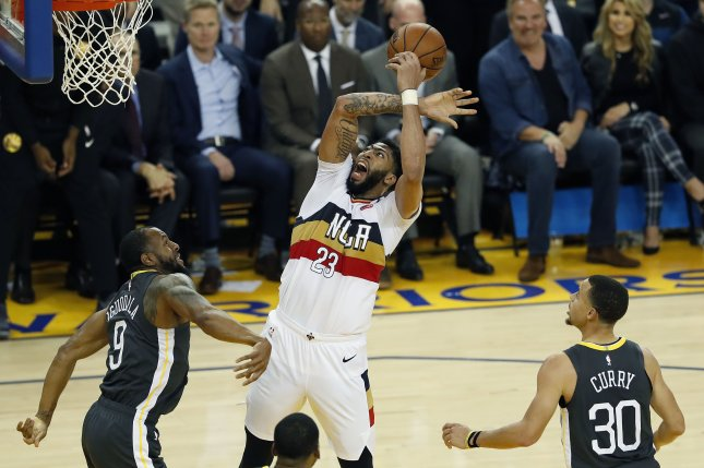 New Orleans Pelicans forward Anthony Davis scored 14 points in 15 minutes  before departing with a shoulder injury in the first half of a win against  the ... 539efe11a