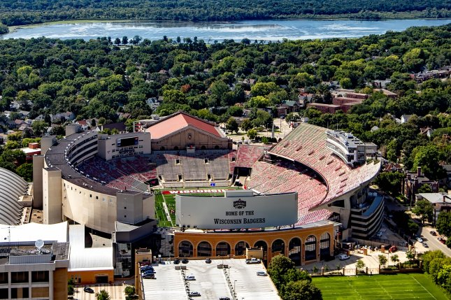 Wisconsin v. Minnesota game canceled after players test positive for COVID-19