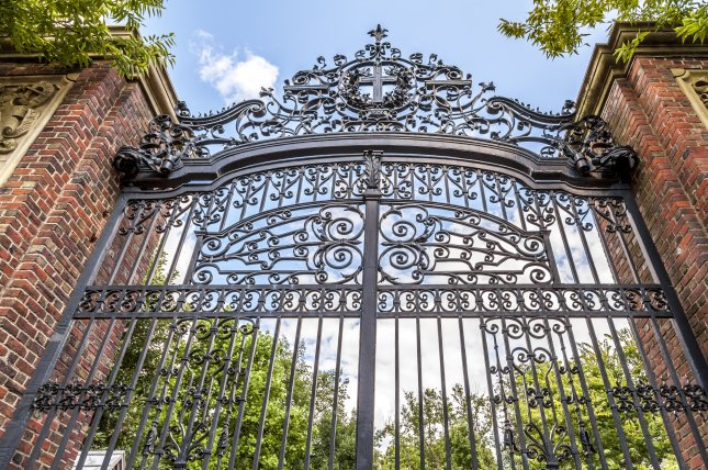 Harvard does not provide support to the Porcellian Club. Photo by Marcio Jose Bastos Silva/Shutterstock