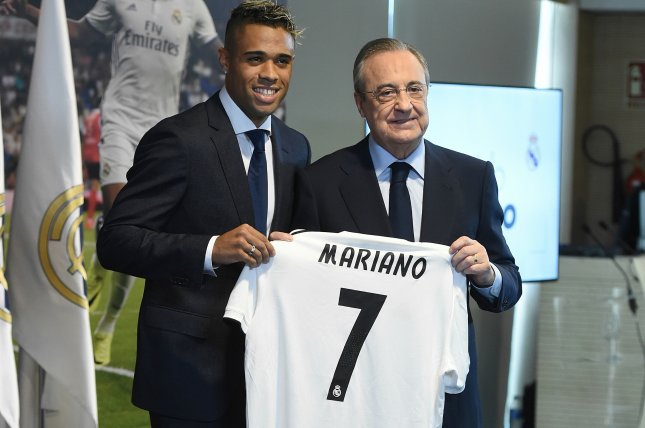 huge discount 46b44 c052f Mariano Diaz takes Cristiano Ronaldo's No. 7 jersey at Real ...