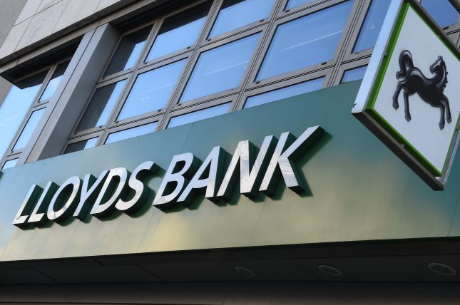 Loyds purchases bank of americas british mbna credit card unit for lloyds banking group announced tuesday it will pay 235 billion for bank of americas british credit card business mbna file photo by andy raineuropean reheart Choice Image