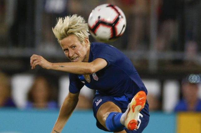a5dcc2a482c Watch  Megan Rapinoe goes near post upper 90 in USWNT win vs ...
