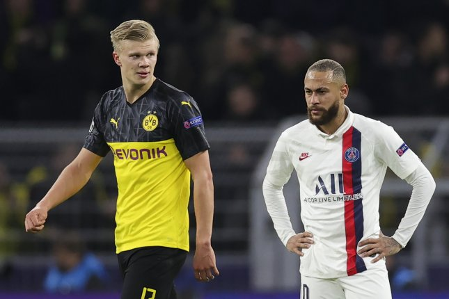 PSG's Neymar (R) scored in the 75th minute of a loss to Borussia Dortmund Tuesday in Dortmund, Germany. Photo by Friedmann Vogel/EPA-EFE