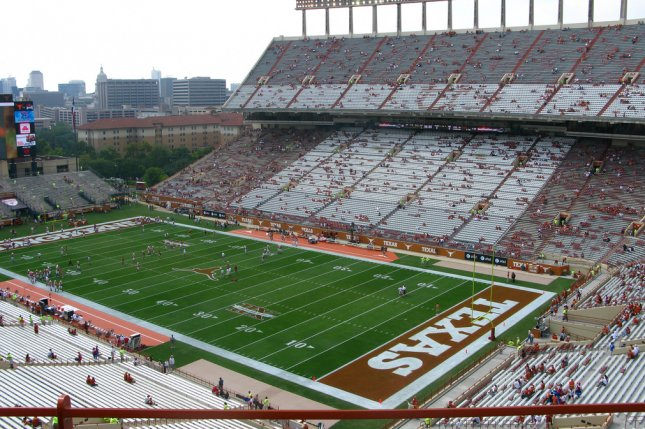 The Texas Longhorns on Wednesday became the latest football program to pause spring activities due to COVID-19. Photo by Mak7912/Wikimedia Commons