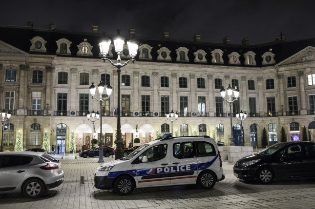 French police hunt for Ritz thieves