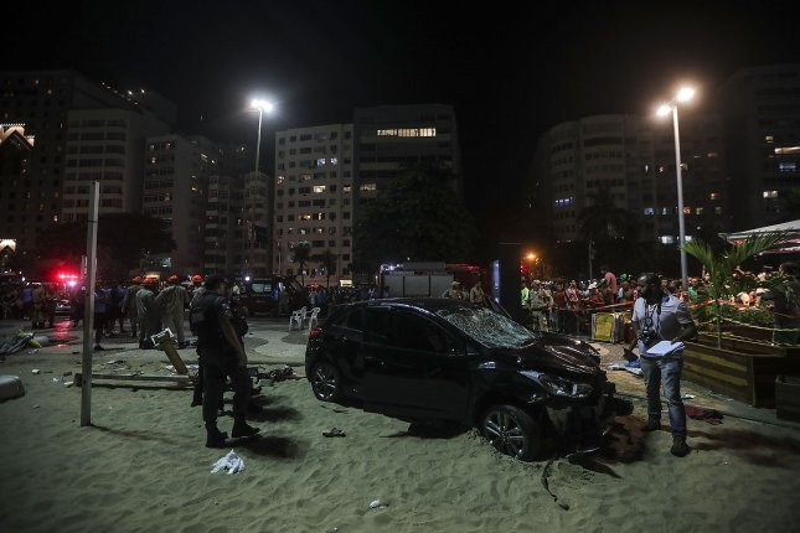 15 people injured as car plows through Copacabana boardwalk