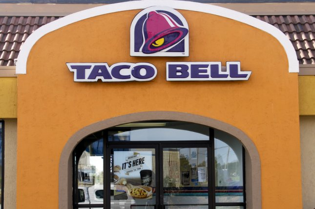 A new Taco Bell in Chicago will sell alcohol along with its regular menu items starting this summer. Photo by dcwcreations/ Shutterstock.com