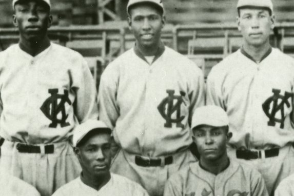 John Donaldson (C) pitched for the Kansas City Monarchs in 1921 and was one of the best players in Negro Leagues history. Photo courtesy of the Negro Leagues Baseball Museum Inc.