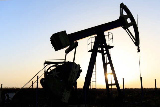 Texas oil production holding steady, but regional bank told it could be a long road to recovery. File Photo by ekina/Shutterstock