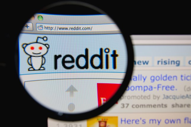 Reddit content can now be shared to SnapChat so that it links directly to the Reddit app. Image by Gil C/Shutterstock