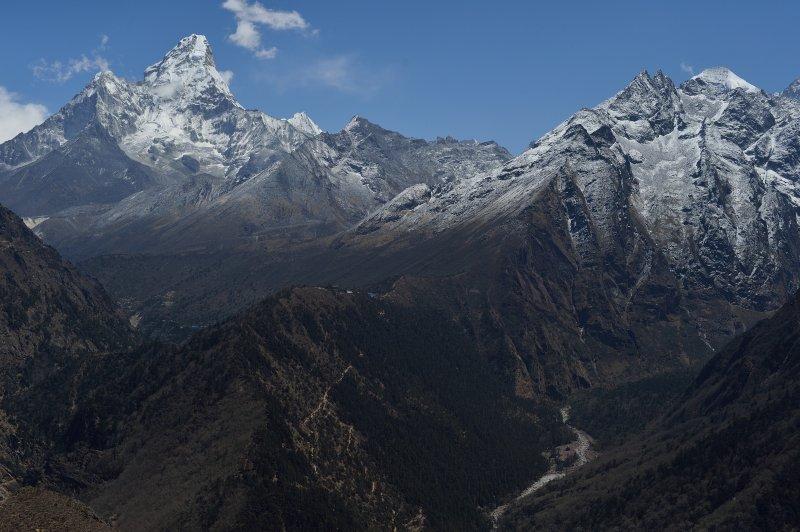 Japanese one-fingered climber abandons Mount Everest attempt