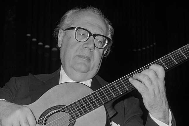 On January 4, 1987, Spanish guitar great Andres Segovia arrived in the United States for his final American tour. He died four months later at the age of 94. File Photo by Jac. de Nijs/Dutch National Archives