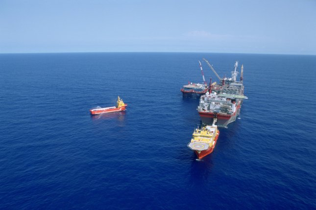 Shell pulling oil from 1 8 miles beneath the Gulf of Mexico surface