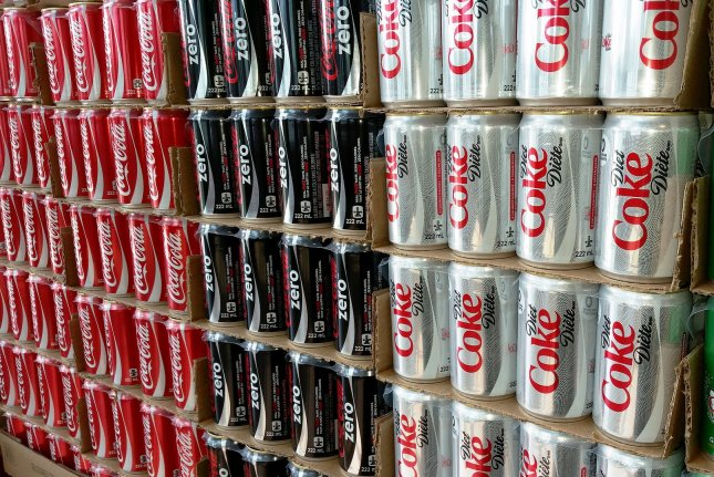Diet beverages may thwart efforts to lose weight, study suggests