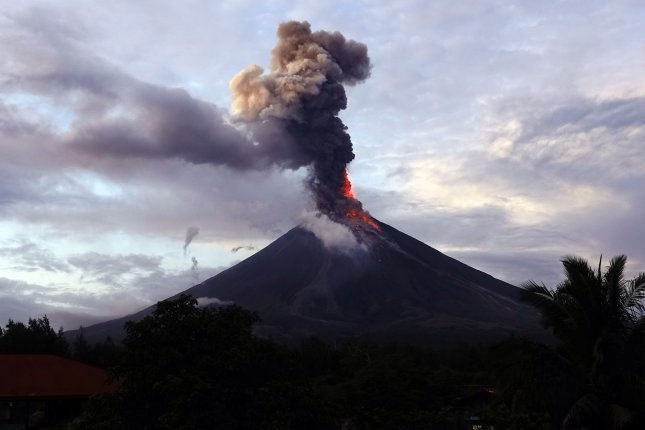 Philippine Volcano Erupts, Causing 56000 To Flee