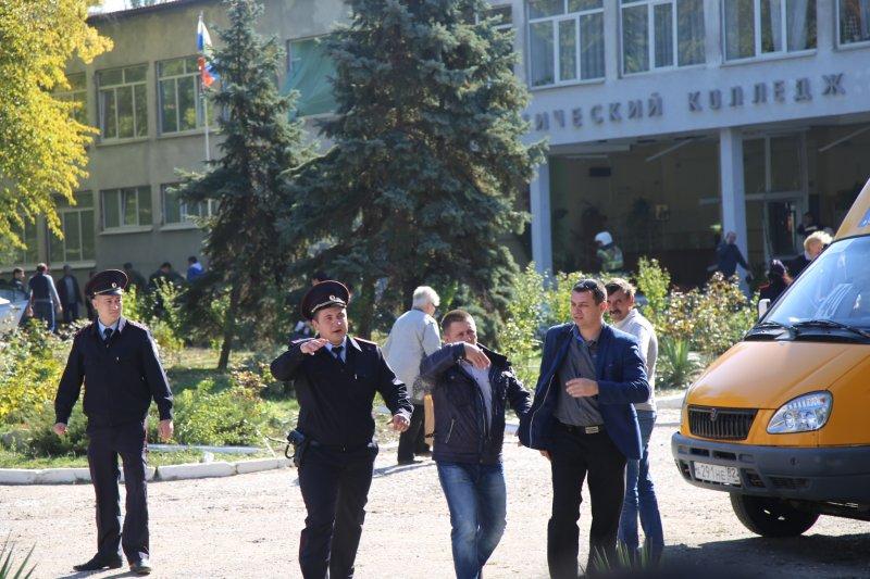Teenage gunman kills 19 at Crimea college