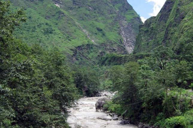 Greater rainfall is likely to intensify global warming by increasing microbes' release of CO2 into the atmosphere from soils in tropical drainage basins like that of the Kali Gandaki River, a tributary of the Ganges River in Nepal. Photo by Dr. Valier Galy/Woods Hole Oceanographic Institution