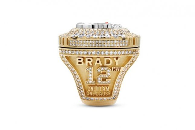 One side of the Tampa Bay Buccaneers' Super Bowl rings features each players' name and number. Photo courtesy of Jason of Beverly Hills