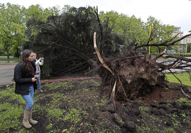Moscow storm death toll rises to 16