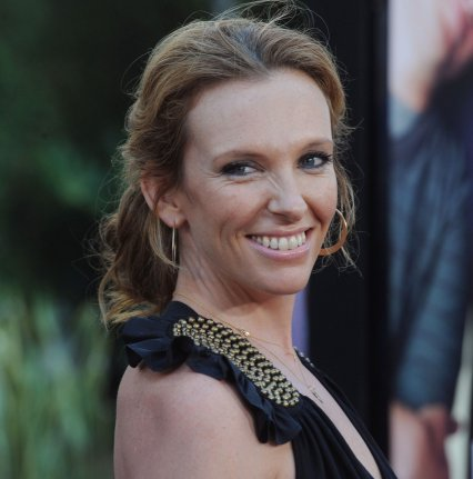 toni collette height