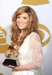 Alison Krauss News | Photos | Quotes | Wiki - UPI com