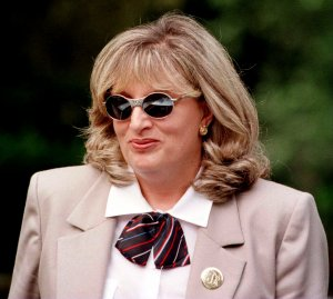 linda tripp - photo #8