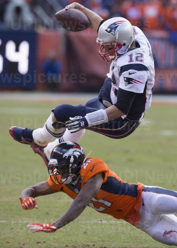 Patriots Brady runs for first down during the 2016 AFC Championship game in Denver