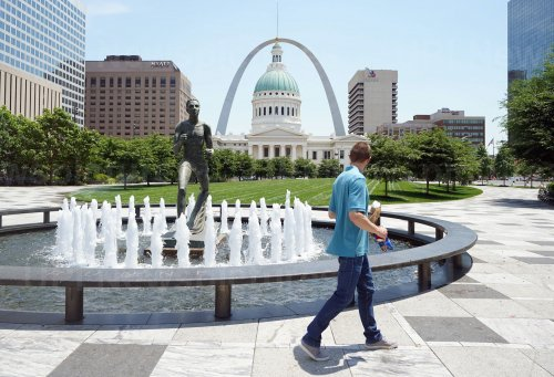 St. Louis Breaks Record for High Temperature On THis Date