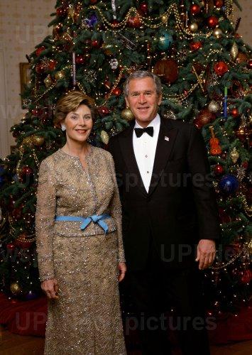 WHITE HOUSE CHRISTMAS PHOTO