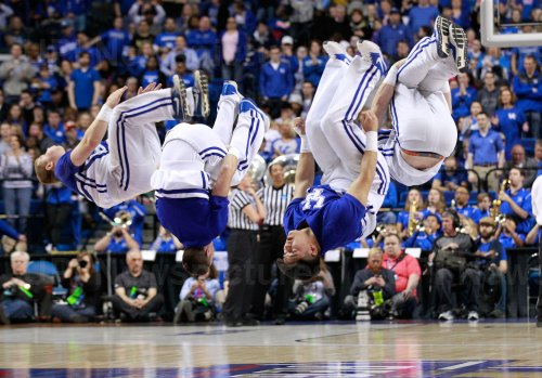 Washington vs Kentucky in the NCAA Championships