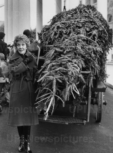 Nancy Reagan at Arrival of the 1985 White House Christmas Tree