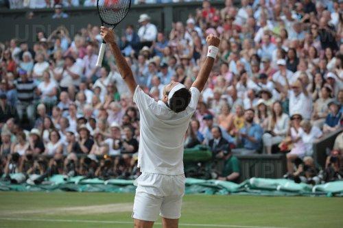 Roger Federer celebrates victoryin his Semi-Final match against Rafael Nadal