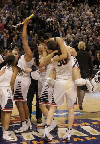 UConn vs Syracuse in the NCAA Championships