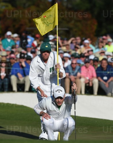 Danny Willett on the 18th green at the Masters