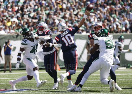 New England Patriots Play the New York Jets in New Jersey