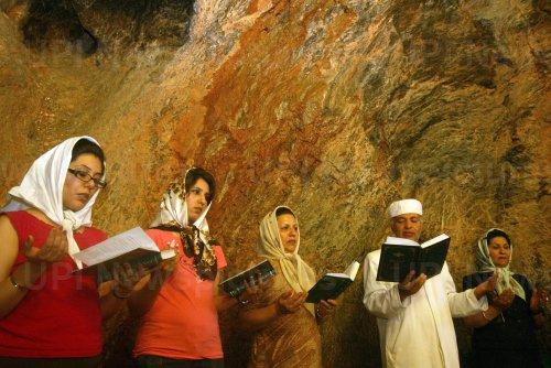 ZOROASTRIANS PRAY IN IRAN
