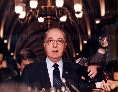 Senator Jesse Helms faces questions from the press