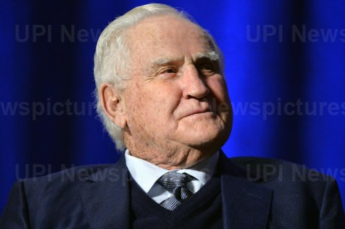 Hall of Fame Coach Don Shula dies at 90