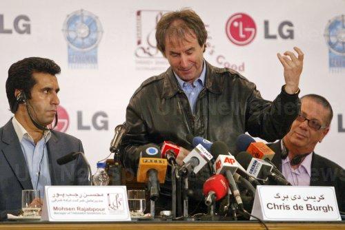 Irish pop singer Chris de Burgh holds a press conference in Tehran