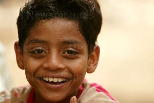 """Slumdog Millionaire"" child actor lives in slum"