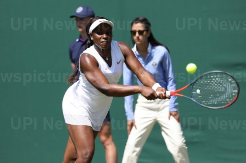 Sloane Stephens in second round action against Yafan Wang