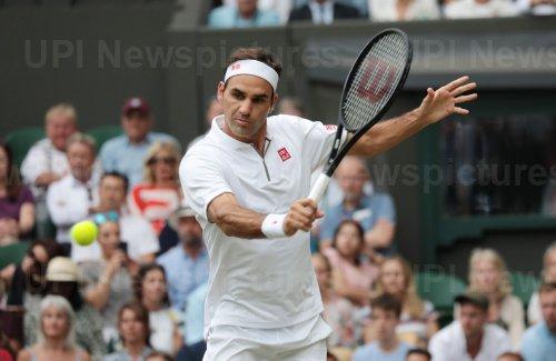 Federer wins third round match against Pouille at Wimbledon