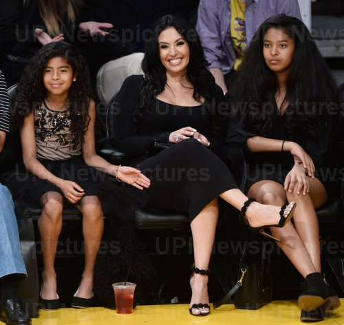 Vanessa Bryant and daughters attend Kobe Bryant's final game as a Laker in Los Angeles