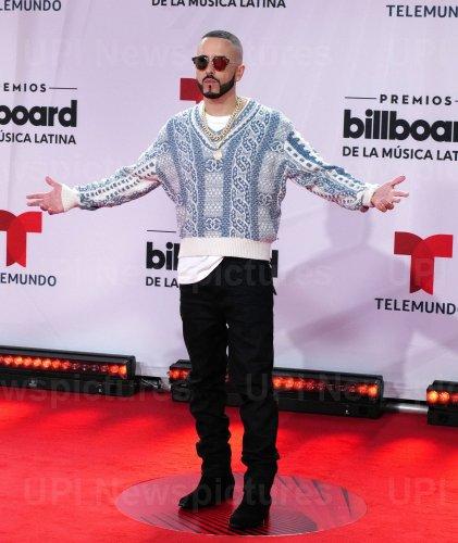 Yandel walks the red carpet at the 2020 Latin Billboard Awards in Sunrise, Florida