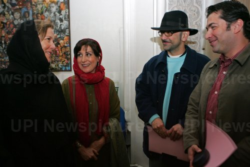 Hollywood actress Annette Benning visits Iran