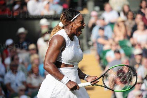 Serena Williams wins first round match against Giulia-Gatto-Monticone