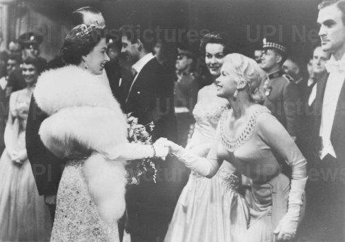 Queen Elizabeth and Jayne Mansfield shake hands